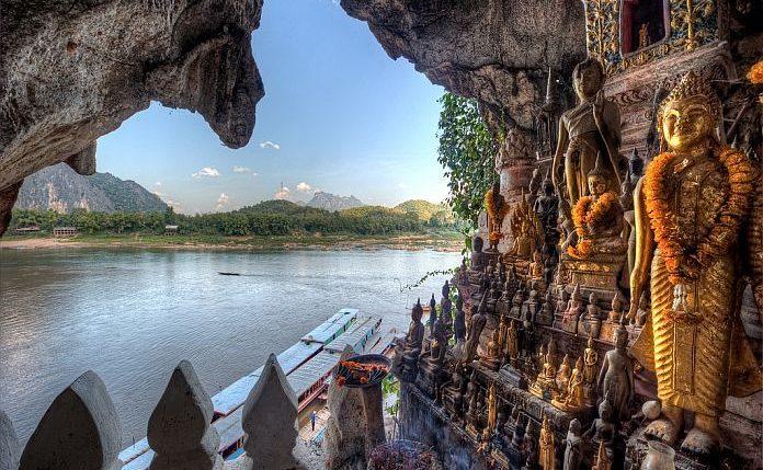 Grotte de Pak